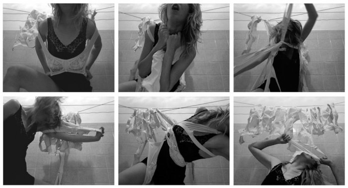 Evelyn Loschy, Entkoppelung,  2012, Video / Stop-Motion / 1:32 min. (loop) / 4:3 PAL / bw / Sound