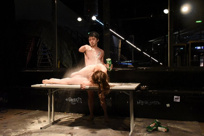 Jianan Qu + Viltė Svarplytė, feed up time, 2017, Performance