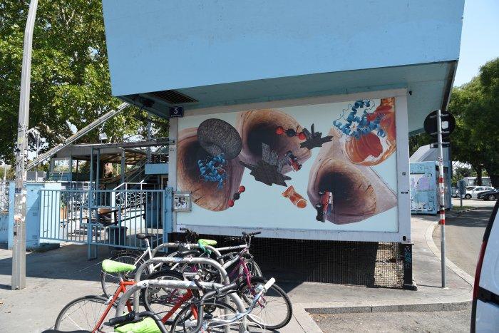 Katrin Hornek, Carbon Creatures, 2018, 3 Plakatdrucke, Courtesy die Künstlerin